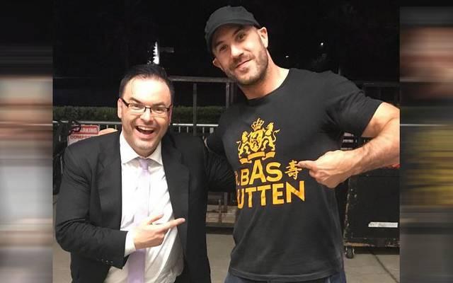 Zurück bei WWE: Mauro Ranallo (l., mit Wrestler Cesaro)