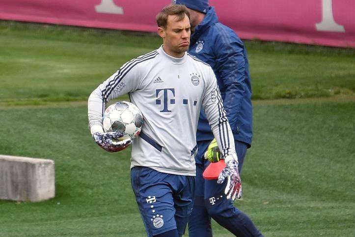 Obwohl durch Vorwürfe der Indiskretion und die Nübel-Causa eine Verlängerung kurzzeitig fraglich erschien, hat Nationaltorhüter Manuel Neuer seinen Vertrag beim FC Bayern bis 2023 verlängert