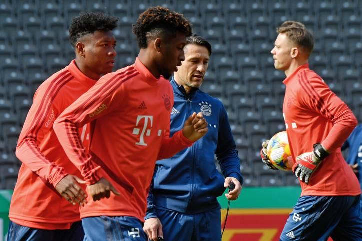 Der FC Bayern nimmt am Montag als letzter Bundesligaklub die Vorbereitung auf die neue Saison auf. Bisher sieht die Transferbilanz der Münchner eher mau aus, neben Lucas Hernández, Benjamin Pavard und Jann-Fiete Arp konnte der FCB noch keinen weiteren großen Deal realisieren