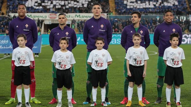 Bergamo gegen Florenz: Josip Ilicic weint um Davide Astori. Vor dem Spiel bei Atalanta Bergamo gedanken die Spieler von AC Florenz ihres verstorbenen Kapitäns Davide Astori