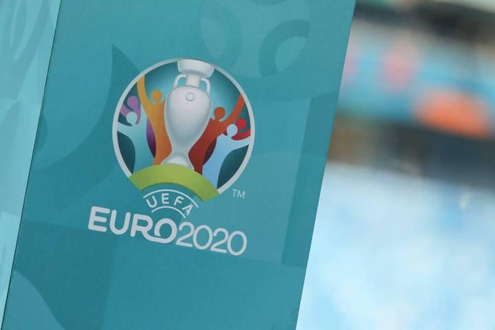 Alle Trikots der EM 2021 zum Durchklicken.