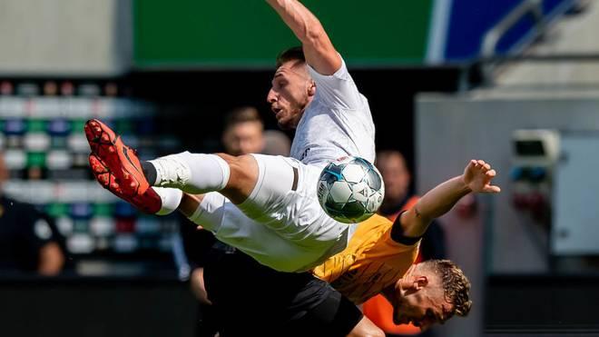 St. Pauli und Dynamo stecken vor dem direkten
