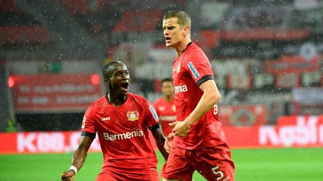 Sven Bender (re.) brachte Bayer Leverkusen gegen den 1. FC Köln in Führung