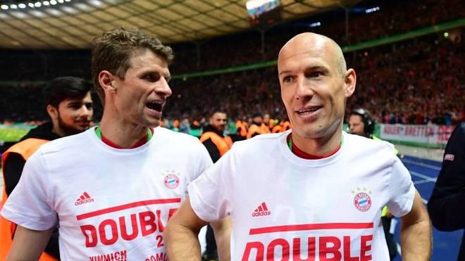 Arjen Robben (r.) spielte zwischen 2009 und 2019 für den FC Bayern