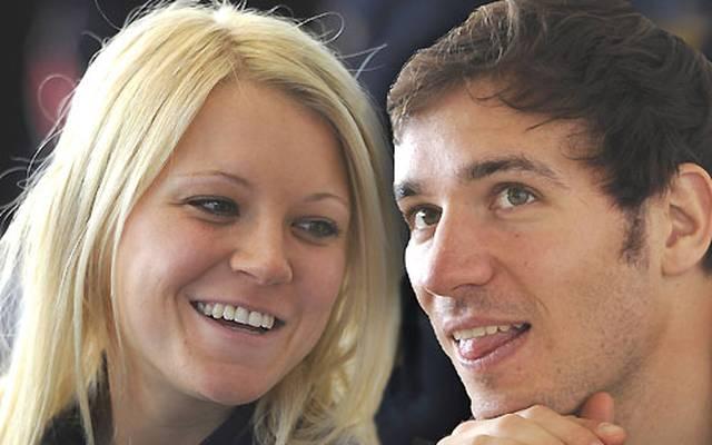Die beiden Wintersportler verliebten sich in der Reha in Garmisch. Neureuther kurierte sich dort nach seiner Knöchel-Operation aus, Gössner kämpfte nach ihrem Fahrrad-Unfall für das Comeback