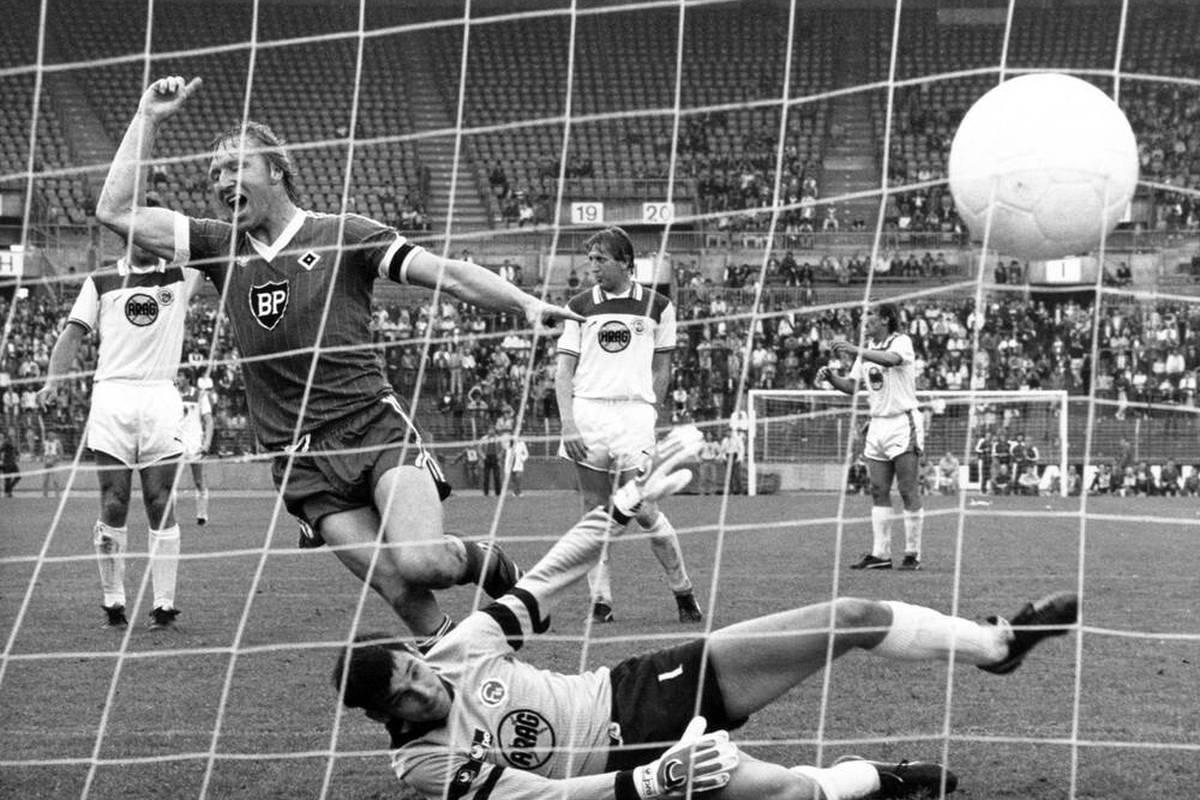 Am Samstag treffen der Hamburger SV und Fortuna Düsseldorf im Top-Spiel der 2. Bundesliga aufeinander. Beim Duell vor knapp 40 Jahren kämpfte eine Mannschaft um die Meisterschaft und die andere gegen den Abstieg.