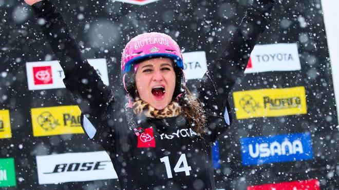 Ramona Hofmeister darf sich über den Gewinn des Gesamtweltcups freuen