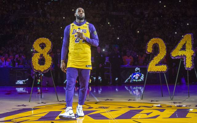 Bilder des Jahres 2020, Sport 01 Januar January 31, 2020, Los Angeles, California, USA: Laker LeBron James speaks during a pregame tribute to Laker great Kobe Bryant at the Staples Center in Los Angeles, Friday, January 31, 2020. Feed - 2020:01:31 - ZUMAo44_ 96615517st Copyright: xHansxGutknechtx