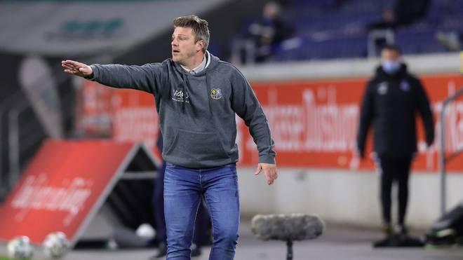 Lukas Kwasniok baut die Tabellenführung mit Saarbrücken aus