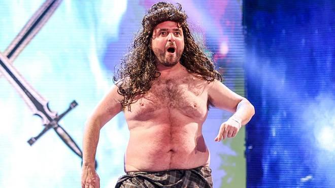 David Krumholtz parodierte bei WWE Monday Night RAW Drew McIntyre