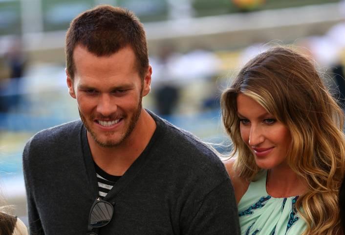 Sie sind das Glamour-Paar der NFL. Star-Quarterback Tom Brady (New England Patriots) und Supermodel Giselle Bündchen. Seit acht Jahren ist das Vorzeigepaar zusammen, hat zwei gemeinsame Kinder. SPORT1 zeigt die Spielerfrauen der US-Stars