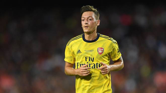 Arsenal reist ohne Özil zur Eintracht