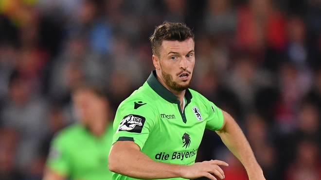 SpVgg Unterhaching v TSV 1860 Muenchen - 3. Liga Mit seinem Tor zum 2:1 sorgte Quirin Moll für die Entscheidung