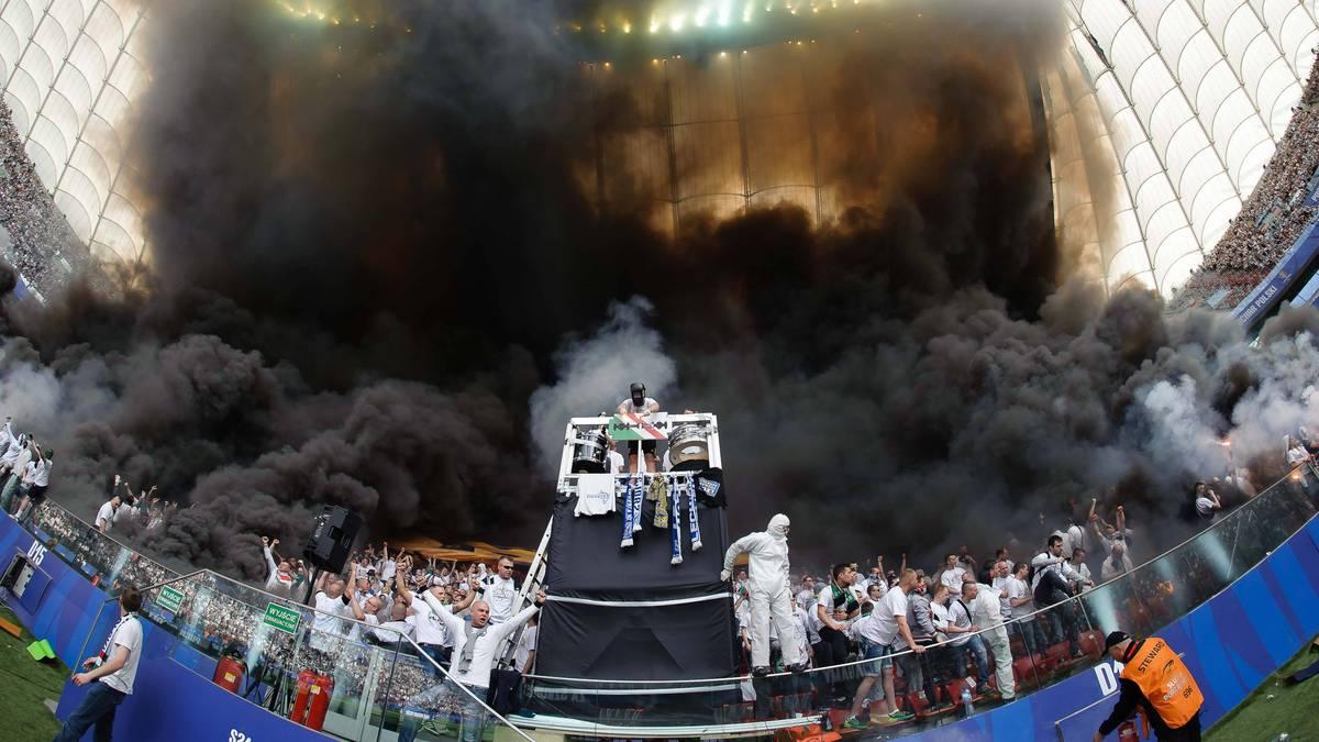 Pyro-Wahnsinn bei polnischem Finale