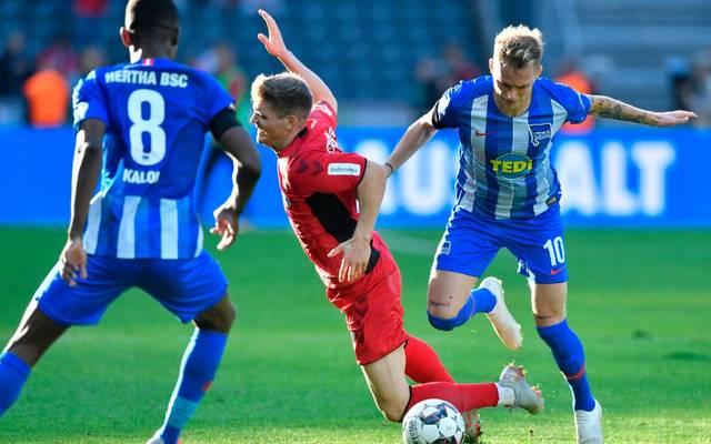 Ondrej Duda (r.) stänkert gegen seinen Trainer