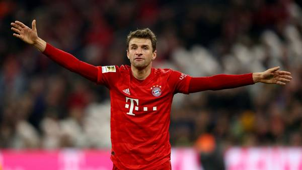 MUNICH, GERMANY - NOVEMBER 09: Thomas Müller of FC Bayern Muenchen reacts during the Bundesliga match between FC Bayern Muenchen and Borussia Dortmund at Allianz Arena on November 09, 2019 in Munich, Germany. (Photo by Alexander Hassenstein/Bongarts/Getty Images)