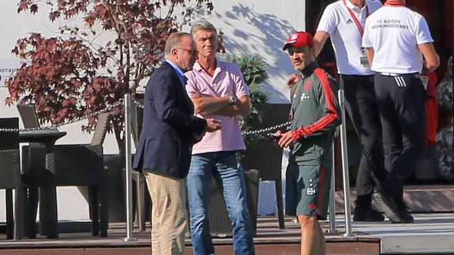Karl-Heinz Rummenigge (l.) sprach Niko Kovac das Vertrauen aus