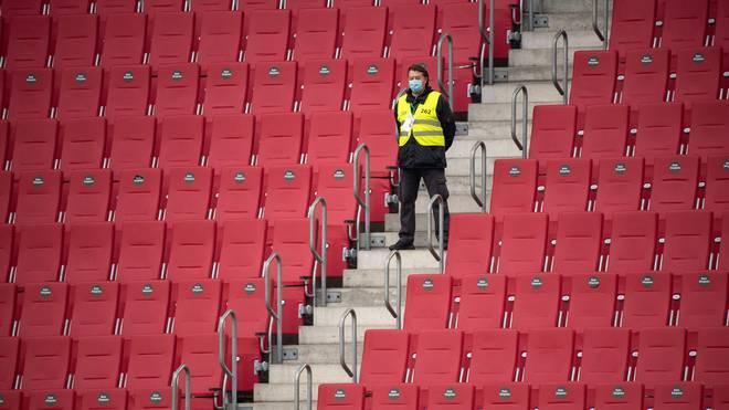 Die Bundesliga muss vorerst wieder vor leeren Rängen spielen
