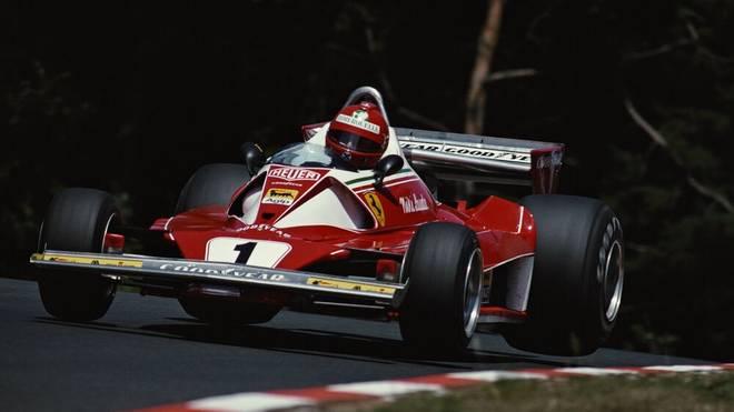 Formel 1 Unfälle: Niki Lauda beim Rennen am Nürburgring 1976.