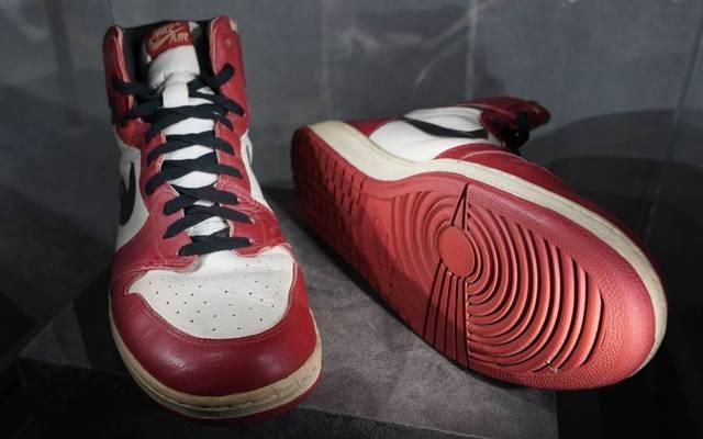 Die legendären Sneaker Air Jordan 1 High wurden für 615.000 Dollar versteigert