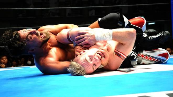 Marty Scurll zeigt bei NJPW gegen Will Ospreay seinen Finisher, den Chicken Wing Crossface