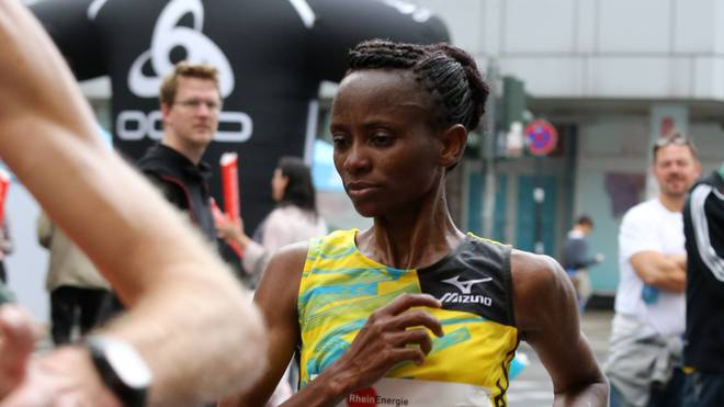 Julia Mumbi beim Marathon in Köln