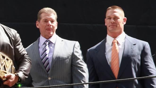 WWE-Boss Vince McMahon (l.) und ihr Topstar John Cena bekommen Konkurrenz vor der eigenen Haustür