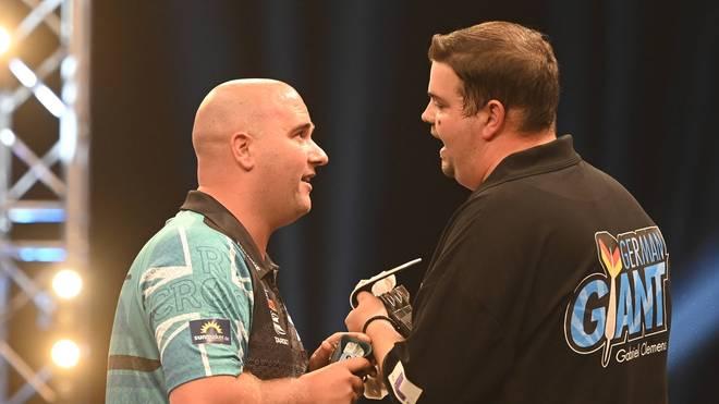 Gabriel Clemens (r.) trifft beim World Matchplay auf Rob Cross