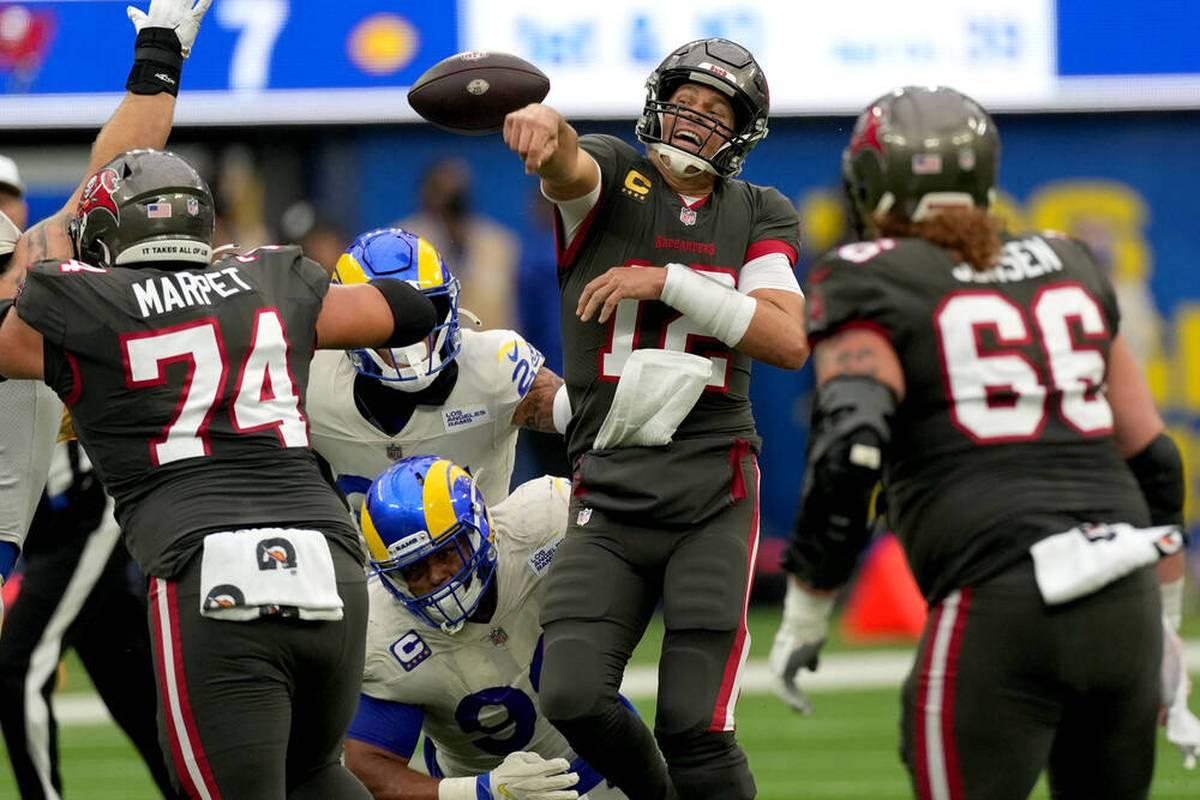 Tom Brady muss mit den Tampa Bay Buccaneers seine erste Saisonpleite hinnehmen. Aaron Rodgers feiert derweil mit den Green Bay Packers einen dramatischen Sieg.