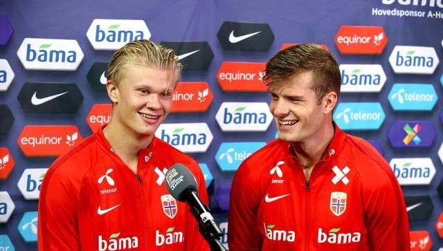 Erling Haaland (l.) und Alexander Sörloth gehen für Norwegen gemeinsam auf Torejagd