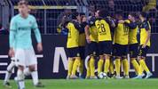 DORTMUND, GERMANY - NOVEMBER 05: Players of Dortmund celebrate their team's second goal during the UEFA Champions League group F match between Borussia Dortmund and Inter at Signal Iduna Park on November 05, 2019 in Dortmund, Germany. (Photo by Alex Grimm/Getty Images)