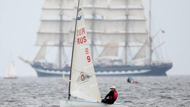 Die Kieler Woche findet seit weit über 100 Jahren statt und verbindet Segelsport und Historie