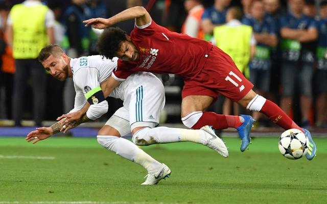 Sergio Ramos foult Salah im CL-Finale 2018