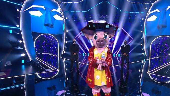 Katrin Müller-Hohenstein versteckte sich im Kostüm des Schweins