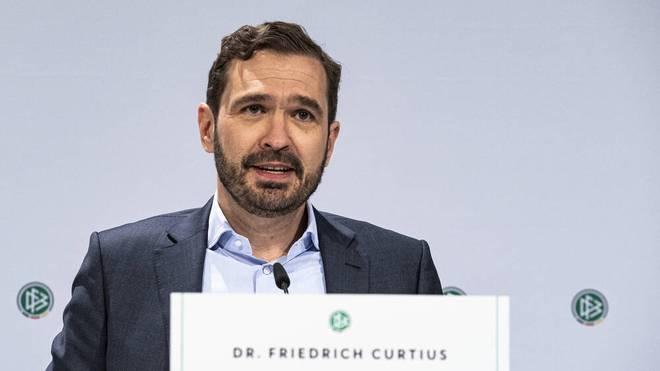 Friedrich Curtius ist Generalsekretär des DFB