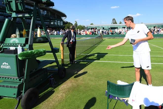 Daniil Medvedev warf in Wimbledon 2017 Geldmünzen vor die Füße des Schiedsrichters