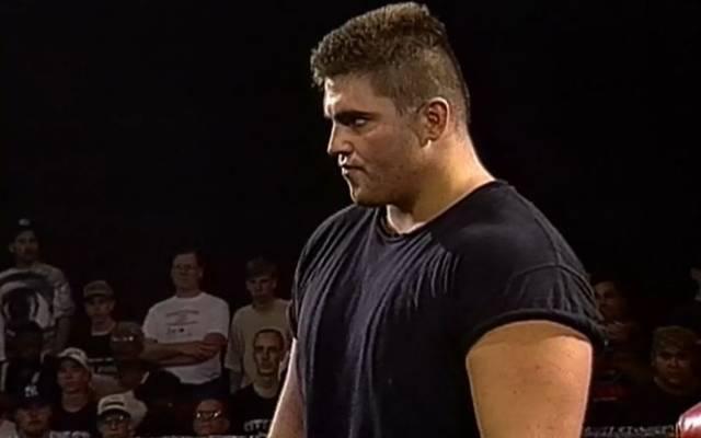 Paul Varelans kämpfte bei der UFC und bestritt auch ein Wrestling-Gastspiel bei ECW