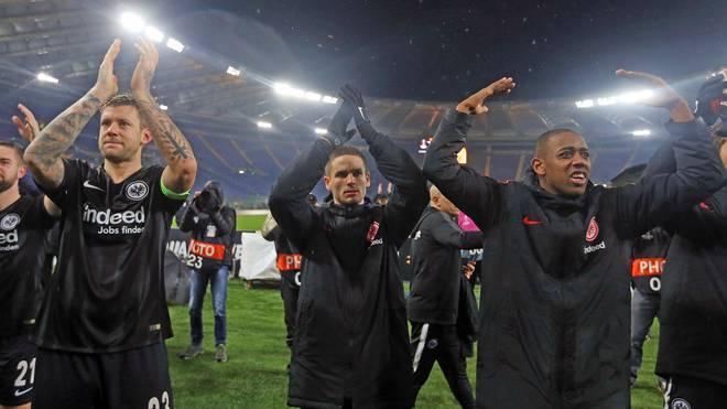 Eintracht Frankfurt feiert nach Sieg bei Lazio Rom in der Europa League