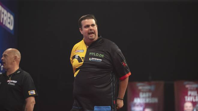 Gabriel Clemens hat sein Auftaktmatch beim Grand Slam of Darts gewonnen
