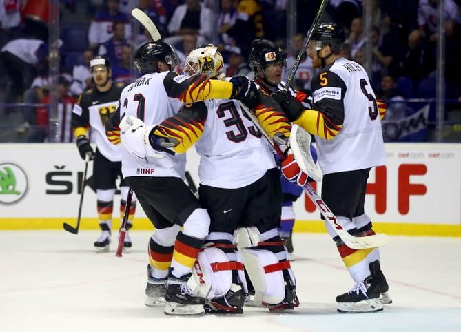 Die deutsche Nationalmannschaft mischt die Eishockey-WM (LIVE im TV auf SPORT1) auf. Vier Siege in den ersten vier Spielen bedeutet den besten WM-Start seit 89 Jahren. Bei der WM ist allerdings nicht nur auf die Stars wie Leon Draisaitl Verlass...