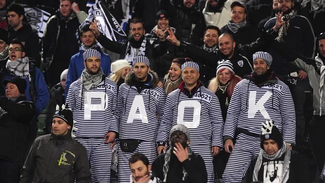 Die leidenschaften PAOK-Fans lassen sich von der aktuellen Situation nicht stoppen (Archiv-Bild)