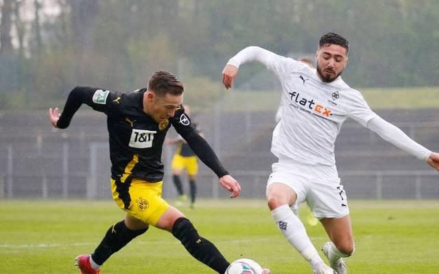 Felix Passlack (l.) traf für Dortmund