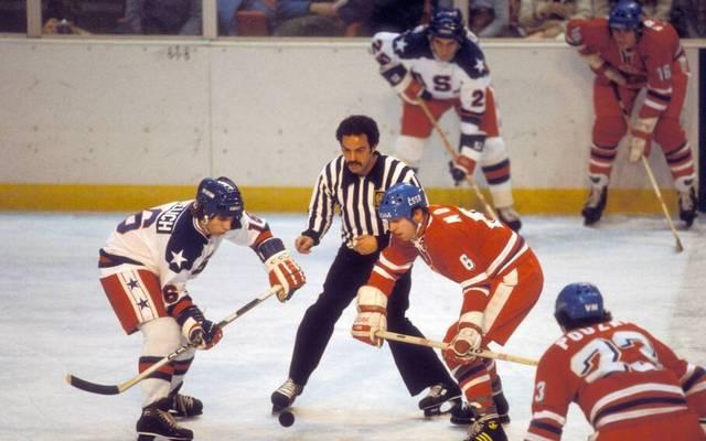 Mark Pavelich (l.) war Teil einer legendären US-Mannschaft