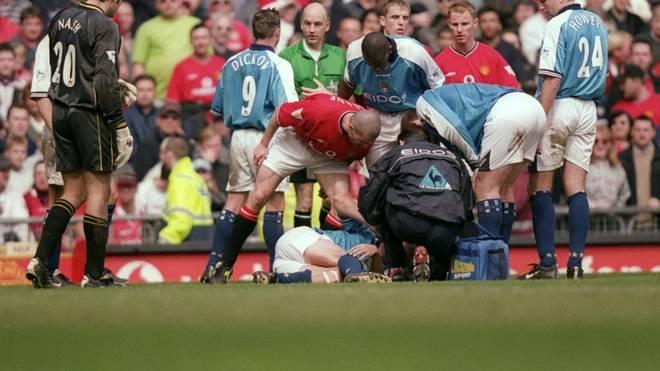 Roy Keane trat Alf Inge Haaland im April 2001 böse um