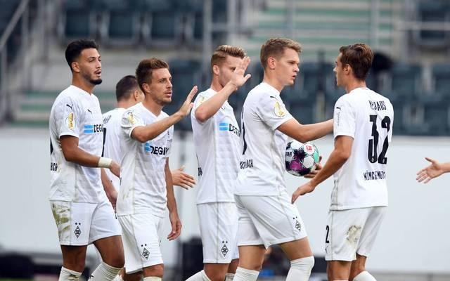 In der ersten Runde des DFB-Pokal siegt Borussia Mönchengladbach souverän gegen den Fünftligisten FC Oberneuland