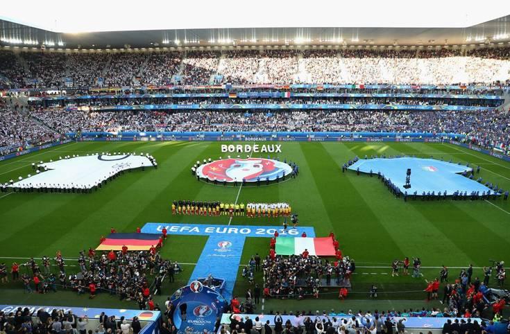 Feierlicher Rahmen für das Viertelfinale: Deutschland will gegen Italien die schwarze Serie bei großen Turnieren beenden. Die Stimmung im Stade de Bordeaux ist auf beiden Seiten zunächst von Zuversicht geprägt. SPORT1 hat die Bilder zum Spiel