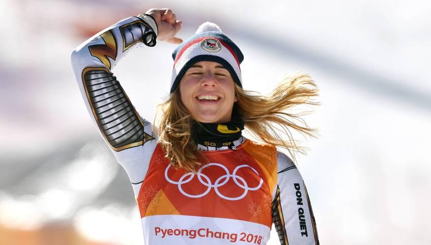 Sensationell gewinnt Ester Ledecka den Super-G bei den Olympischen Winterspielen in Pyeongchang. Sie düpiert die versammelte Weltelite, obwohl sie eigentlich in einer anderen Sportart zuhause ist und sich dort bereits zur Weltmeisterin gekrönt hat