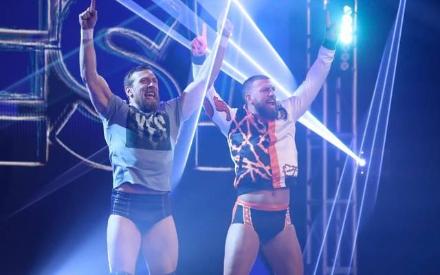 Drew Gulak (r.) mit Daniel Bryan bleibt WWE doch erhalten
