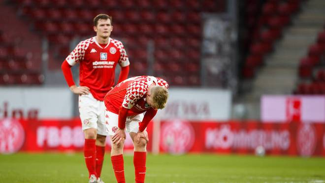 Bei Mainz 05 kommen zu der sportlichen Talfahrt auch noch finanzielle Probleme