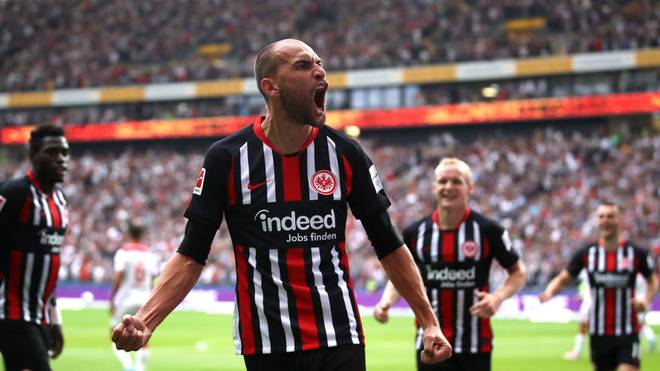 FRANKFURT AM MAIN, GERMANY - SEPTEMBER 01: Bas Dost of Frankfurt celebrates after scoring his sides first goal during the Bundesliga match between Eintracht Frankfurt and Fortuna Duesseldorf at Commerzbank-Arena on September 01, 2019 in Frankfurt am Main, Germany. (Photo by Alex Grimm/Bongarts/Getty Images)